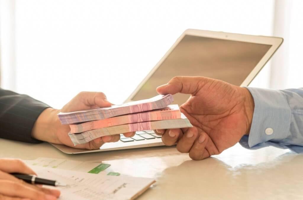 Различия между кредитом и займом